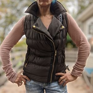 Atmosphere Size 12 Quilted Vest with Adjustable Side Buckles. Brown
